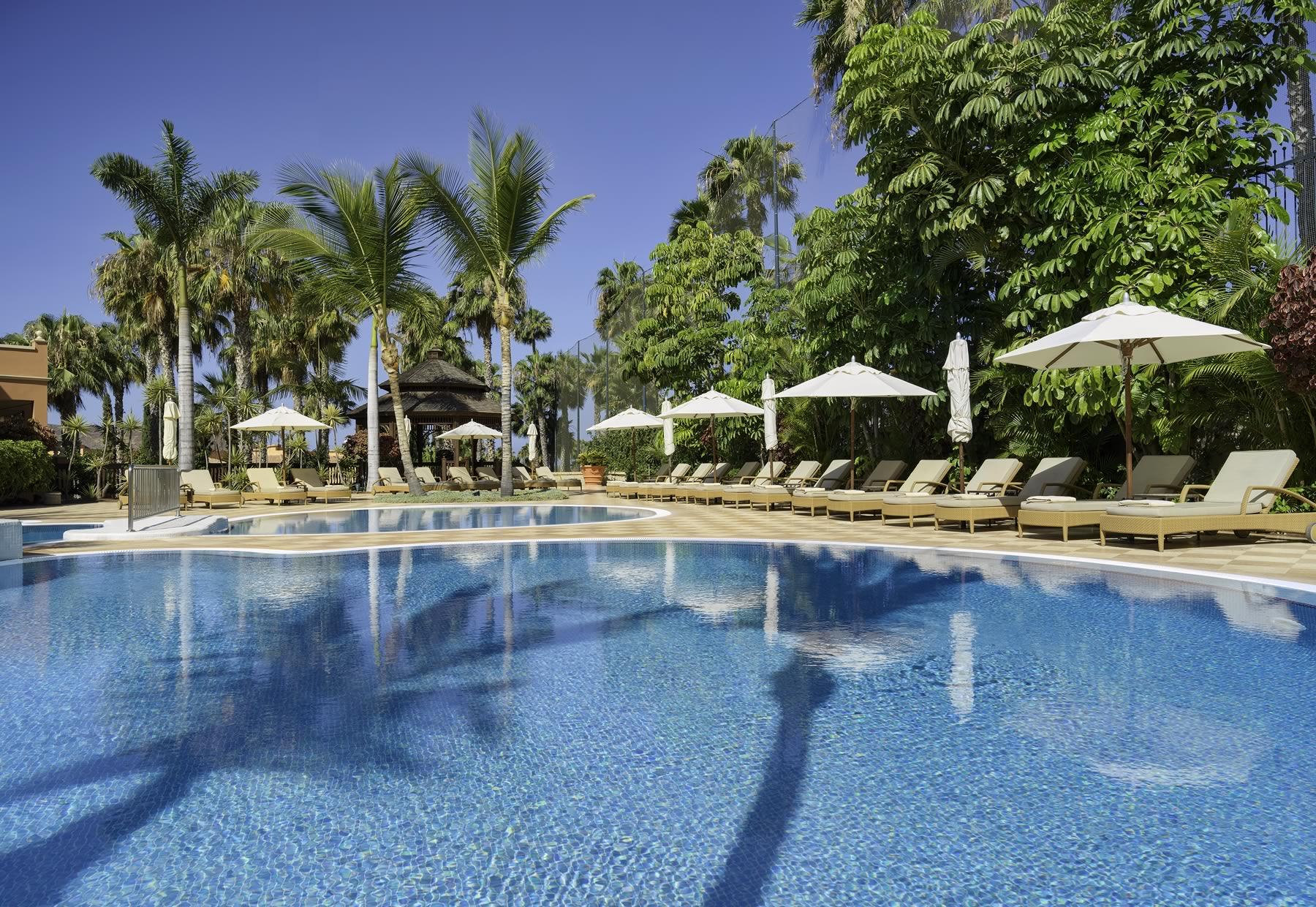 Hotel De Las Americas Golf Resort With 5 Stars Luxury Golf Resort Booking Golf Resorts
